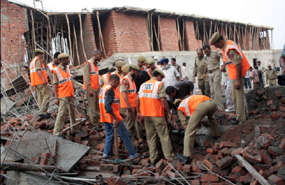 sharing responsibilities during disaster management